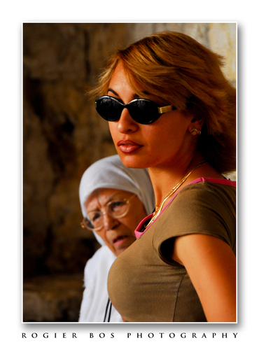 Vence_female_generations_white_border